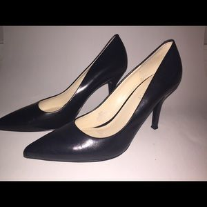Nine West Black leather heels size 8.5